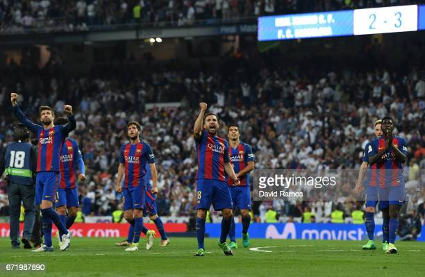Jordi Alba of Barcelona and team mates celebrate victory after the La Liga match between Real Madrid CF and FC Barcelona at Estadio Bernabeu on April...