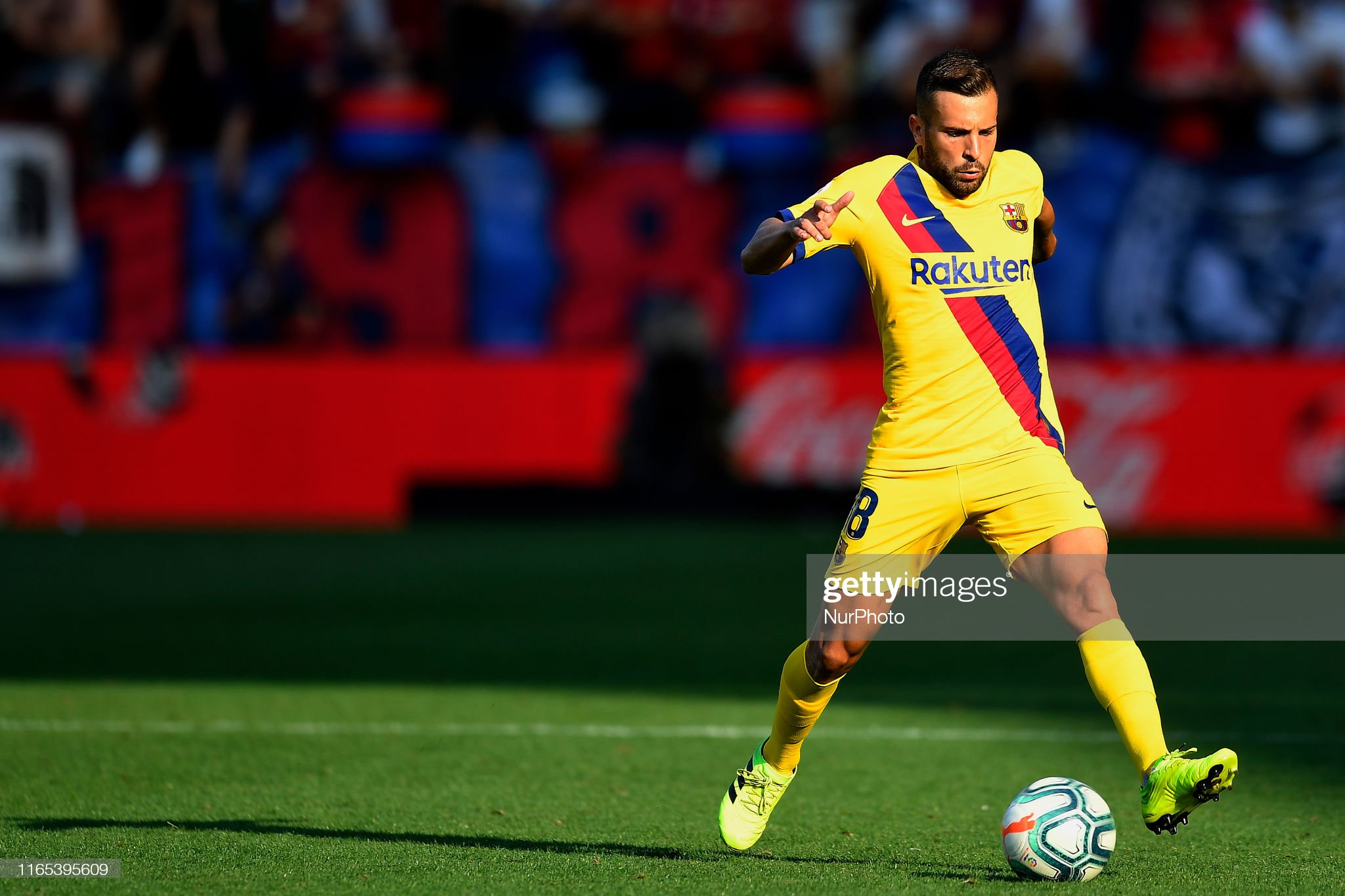 صور مباراة : أوساسونا - برشلونة 2-2 ( 31-08-2019 )  Jordi-alba-of-barcelona-controls-the-ball-during-the-liga-match-ca-picture-id1165395609?s=2048x2048