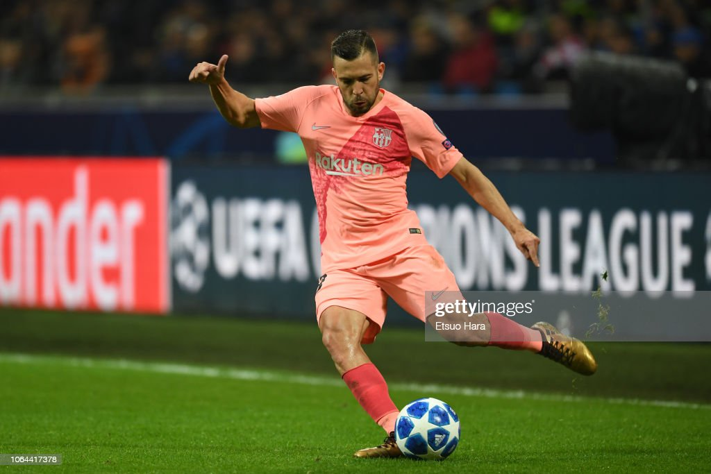 FC Internazionale v FC Barcelona - UEFA Champions League Group B : News Photo