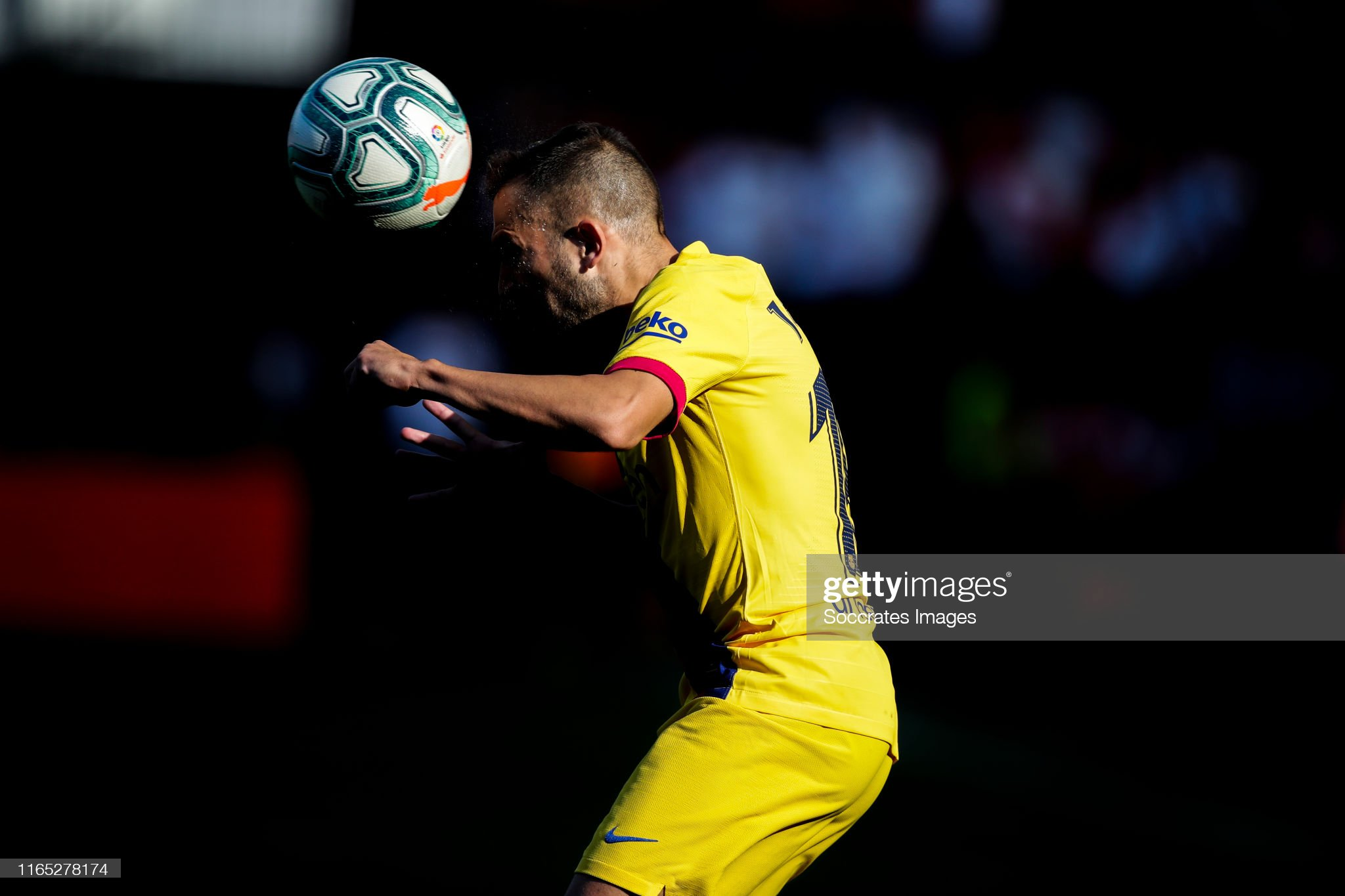 صور مباراة : أوساسونا - برشلونة 2-2 ( 31-08-2019 )  Jordi-alba-of-fc-barcelona-during-the-la-liga-santander-match-between-picture-id1165278174?s=2048x2048
