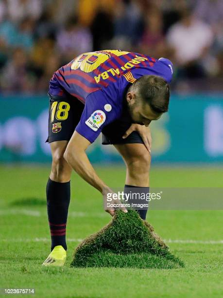 Jordi Alba of FC Barcelona is preparing the pitch during the La Liga Santander match between Real Valladolid v FC Barcelona at the Estadio Nuevo José...