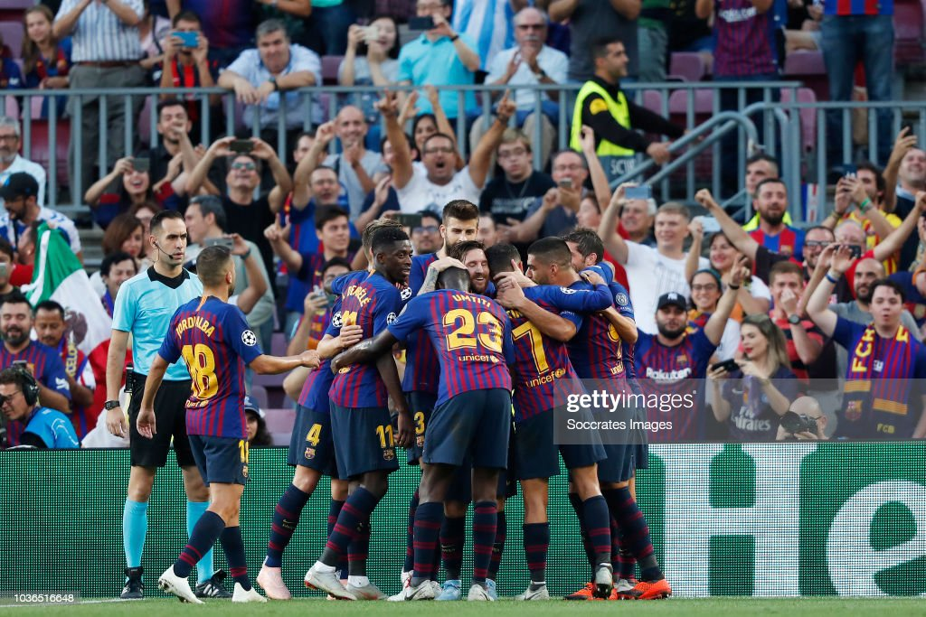 FC Barcelona v PSV - UEFA Champions League : News Photo