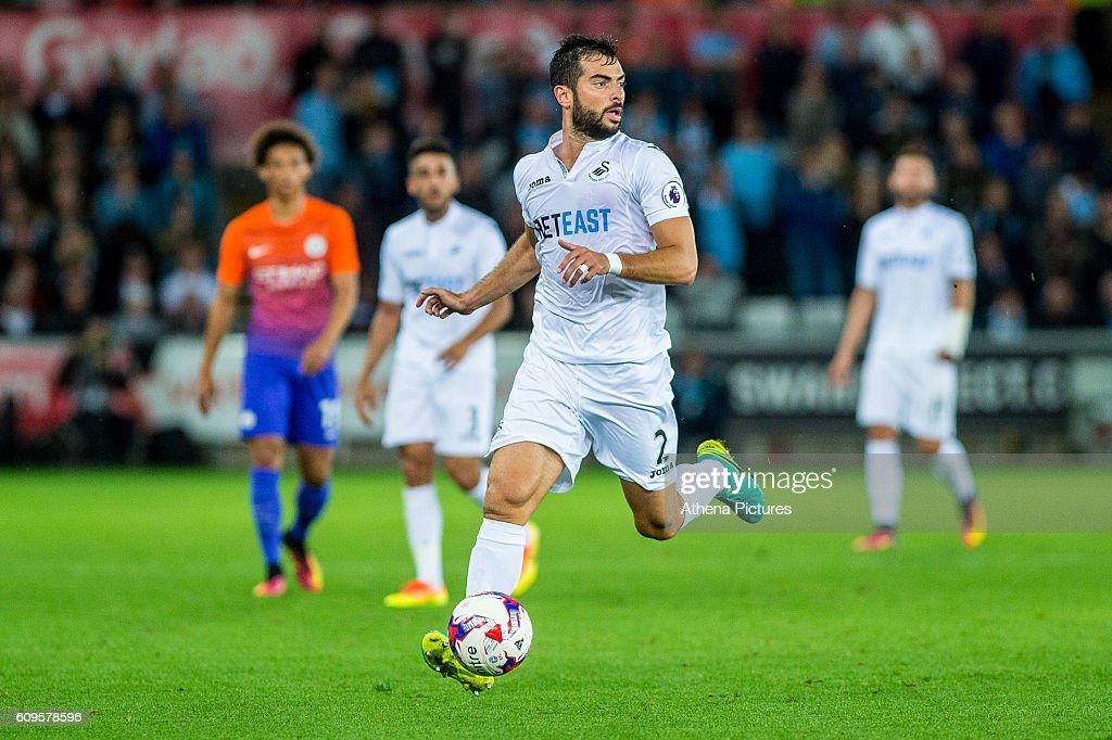 Swansea City v Manchester City - EFL Cup Third Round : News Photo
