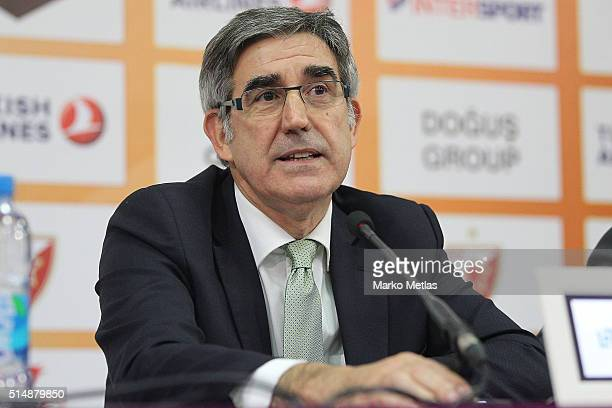 Jordi Bertomeu Euroleague Basketball CEO and Director attends a press conference before the 20152016 Turkish Airlines Euroleague Basketball Top 16...