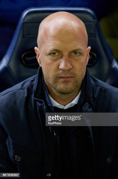 Jordi Cruyff head coach of Maccabi Tel Aviv FC looks on prior to the game during the UEFA Europa League group A match between Villarreal CF and...