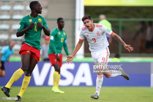 Jordi Escobar of Spain celebrates a scored goal during the FIFA U-17 Men's World Cup Brazil 2019 group E match between Cameroon and Spain at Valmir...