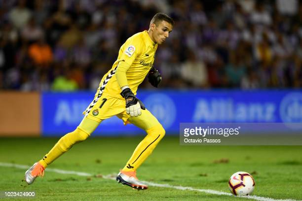 Jordi Masip of Valladolid in action during the La Liga match between Real Valladolid CF and FC Barcelona at Jose Zorrilla on August 25 2018 in...