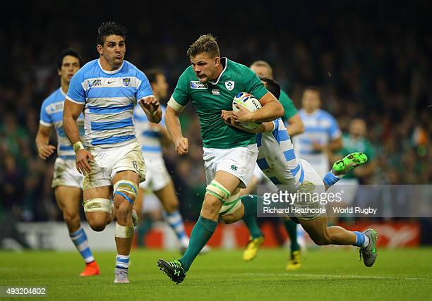 Jordi Murphy of Ireland breaks through to score his team's second try during the 2015 Rugby World Cup Quarter Final match between Ireland and...