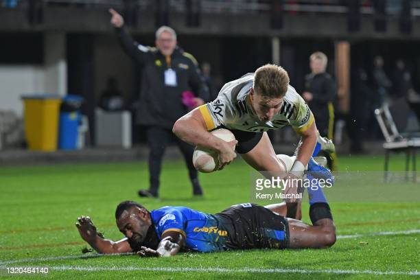 Jordie Barrett of the Hurricanes scores a try during the round three Super Rugby Trans-Tasman match between the Hurricanes and the Western Force at...