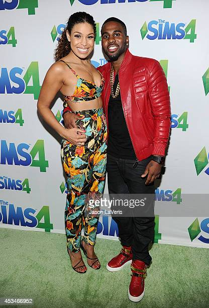 Jordin Sparks and Jason Derulo pose in the green room at the 2014 Teen Choice Awards at The Shrine Auditorium on August 10 2014 in Los Angeles...