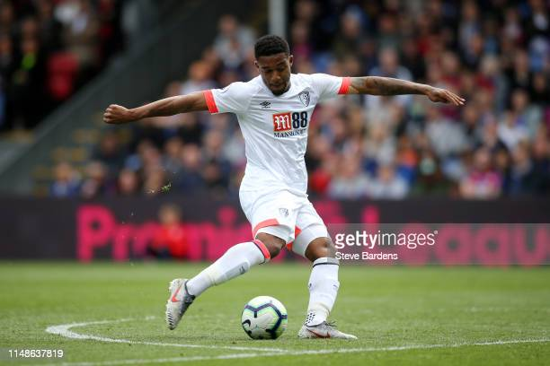 Jordon Ibe of AFC Bournemouth scores his team's second goal during the Premier League match between Crystal Palace and AFC Bournemouth at Selhurst...