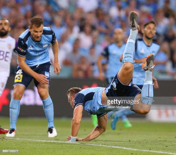 Jordy Buijs of Sydney dives during the round 13 ALeague match between Sydney FC and Perth Glory at Allianz Stadium on December 30 2017 in Sydney...