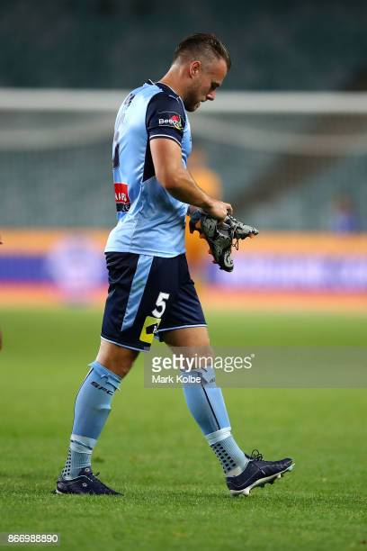 Jordy Buijs of Sydney FC leaves the field to change his damaged boots during the round four ALeague match between Sydney FC and the Perth Glory at...