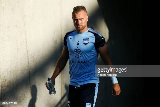 Jordy Buijs of Sydney FC takes the field to warm up during the round 12 ALeague match between the Wellington Phoenix and Sydney FC at Westpac Stadium...