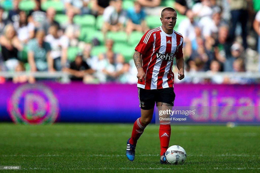 FC Groningen v FC Southampton - Friendly Match : ニュース写真