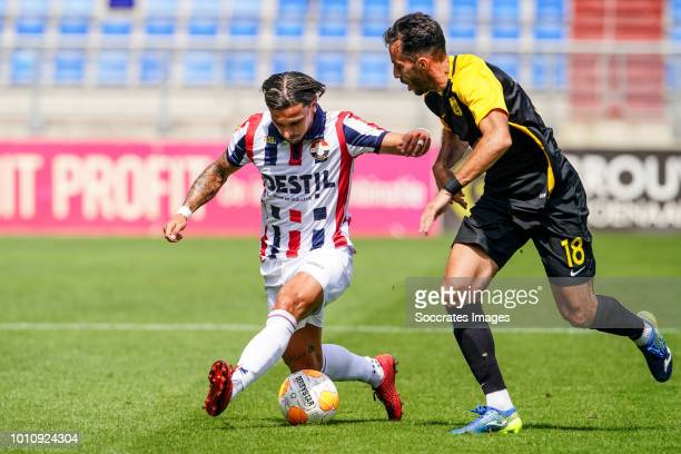 Jordy Croux of Willem II Alex Menendez of Aris Thessaloniki during the match between Willem II v Aris Saloniki on August 4 2018 in Tilburg Netherlands