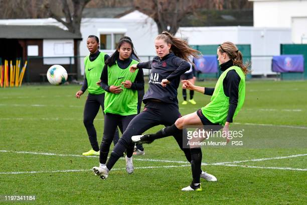 Jordyn Huitema fights for the ball during a Paris SaintGermain Women training session on January 03 2020 in Paris France
