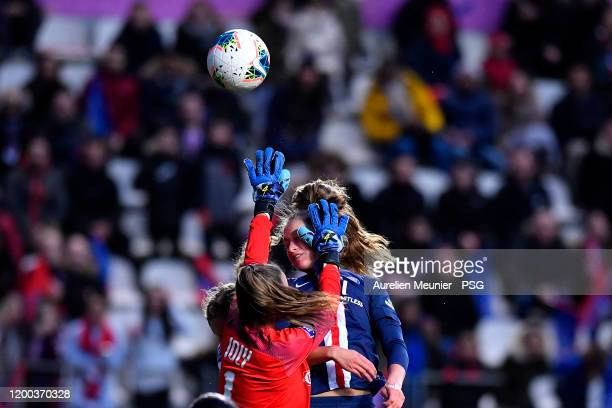 Jordyn Huitema of Paris SaintGermain Women jumps for the ball during the Division 1 Arkema Feminine match between Paris SaintGermain and Olympique de...