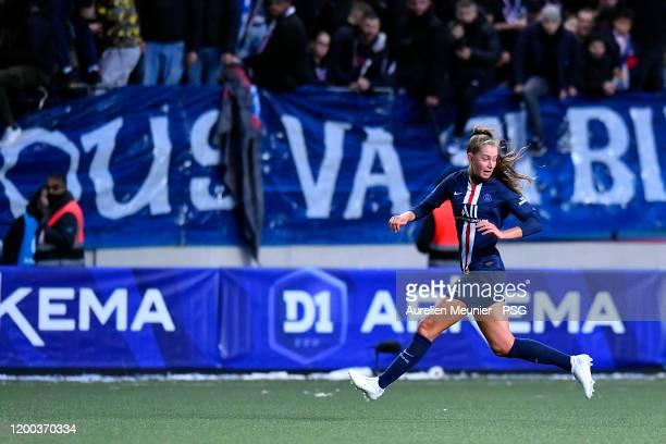Jordyn Huitema of Paris SaintGermain Women runs for the ball during the Division 1 Arkema Feminine match between Paris SaintGermain and Olympique de...