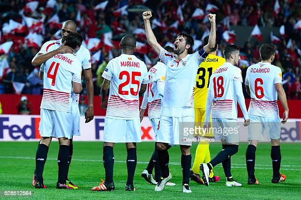 Jorge Andujar Moreno 'Coke' of Sevilla FC celebrates after defeating Shakhtar Donetsk during the UEFA Europa League Semi Final second leg match...