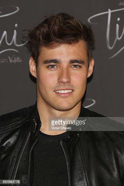 Jorge Blanco attends a photocall and press conference to promote the film 'Tini El gran cambio de Violetta' at W Hotel Mexico City on May 18 2016 in...