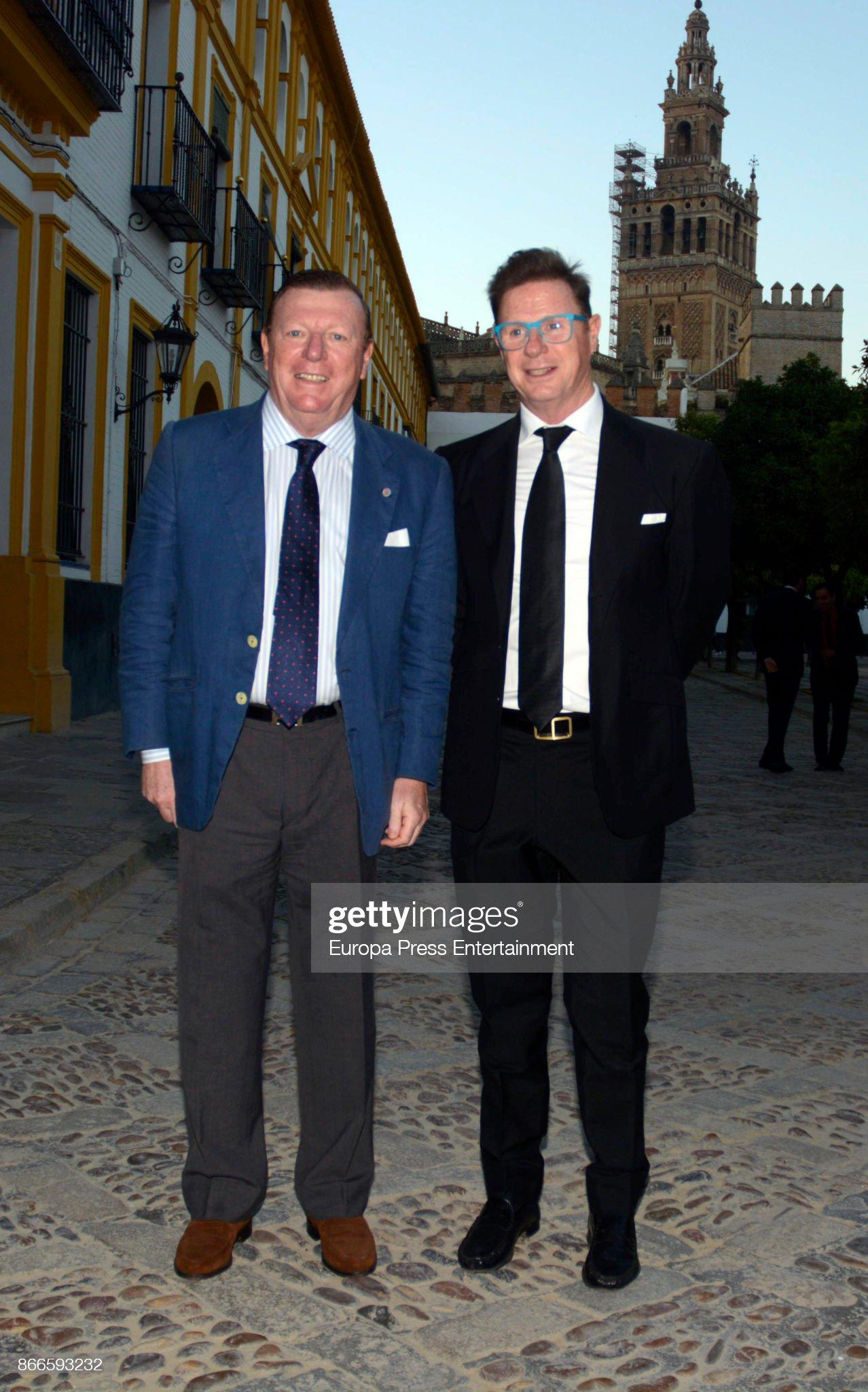 ¿Cuánto mide César Cadaval? (Los Morancos) - Altura Jorge-cadaval-and-cesar-cadaval-attend-xiv-festival-de-las-naciones-picture-id866593232?s=2048x2048