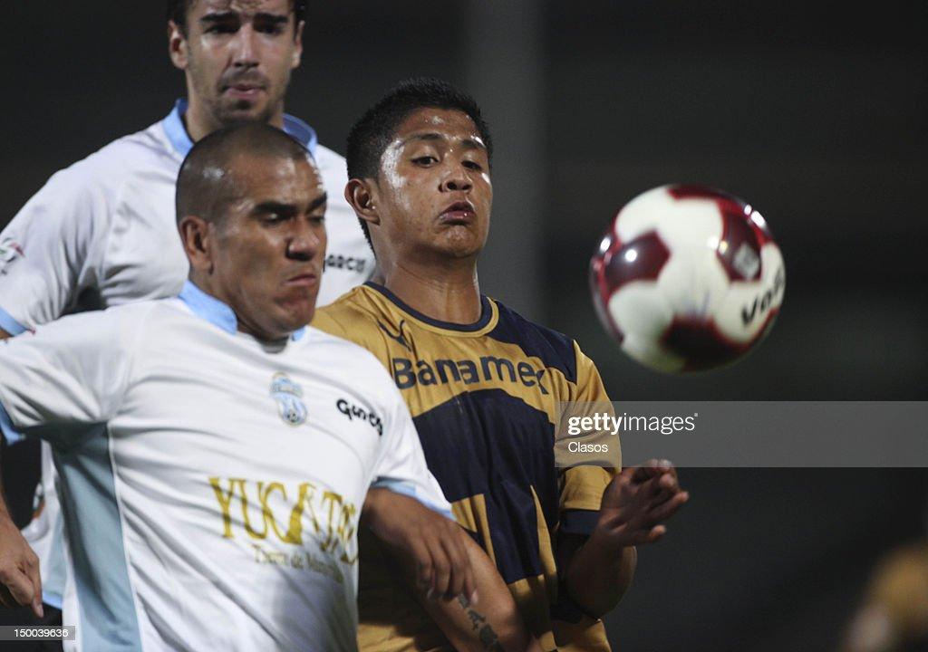 Pumas v Merida - Copa MX 2012 : News Photo