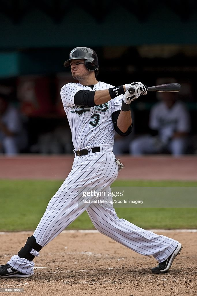 Jorge Cantu #3 of the Florida Marlins bats during a MLB game against the New York Mets in Sun Life Stadium on May 16, 2010 in Miami, Florida.