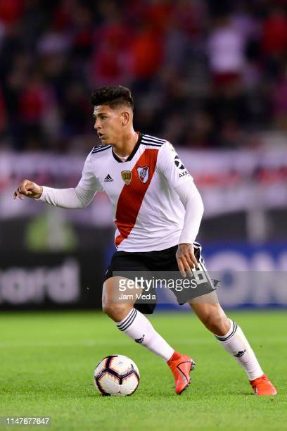 Jorge Carrascal of River Plate controls the ball during a group A match between River Plate and Internacional as part of Copa CONMEBOL Libertadores...