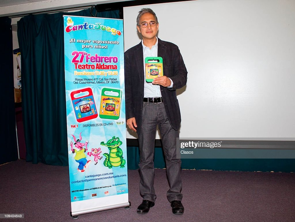 Jorge Chiwo Presents Cantajuegos Vol 2 Press Conference Pictures Del City Release Holds A To The Album At Sony