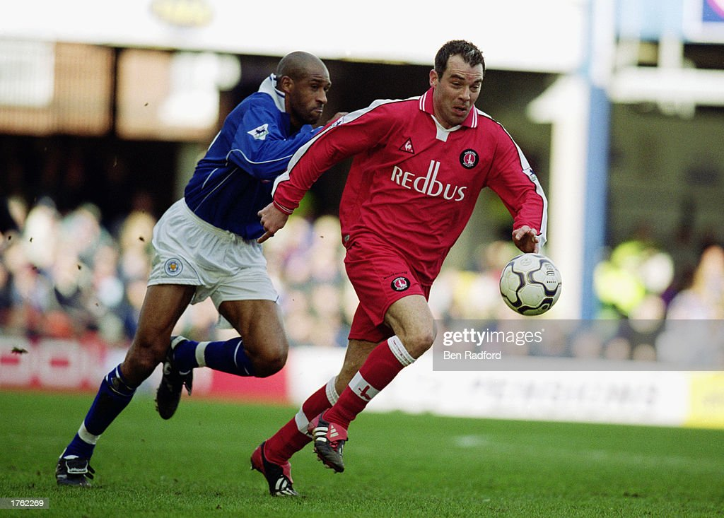Jorge Costa of Charlton Athletic and Brian Deane of Leicester City : News Photo