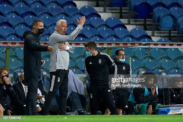 Jorge Costa the manager of SC Farense reacts during the Liga NOS match between FC Porto and SC Farense at Estadio do Dragao on May 10, 2021 in Porto,...