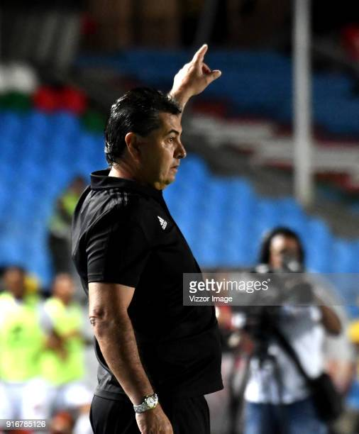 Jorge Da Silva coach of America gestures during a match between America de Cali and Deportes Tolima as part of Liga Aguila I 2018 at Pascual Guerrero...