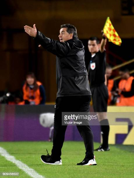Jorge Da Silva coach of America gives instructions during the match between America de Cali and Deportivo Cali as part of the Torneo Fox Sports at...