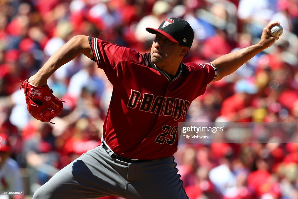 Jorge De La Rosa #29 of the Arizona Diamondbacks delivers a pitch against the St. Louis Cardinals in the sixth inning at Busch Stadium on July 30, 2017 in St. Louis, Missouri.