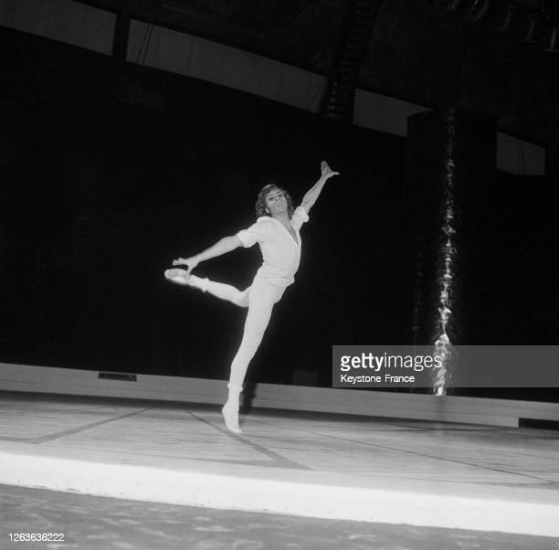 Jorge Donn sur la scène du Palais des Sports à Paris, France le 16 décembre 1966.