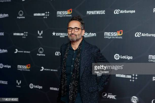 Jorge Drexler poses on the red carpet during the premiere of 'Messi 10' by Cirque du Soleil on October 10 2019 in Barcelona Spain