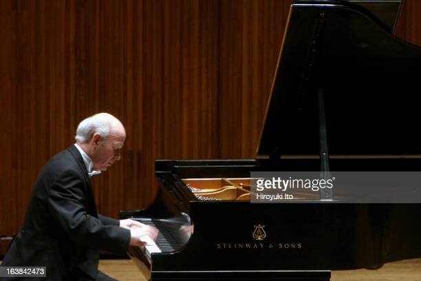 Jorge Federico Osorio performing the music of Soler Albeniz Debussy Liszt and Beethoven at Alice Tully Hall on Monday night January 22 2007