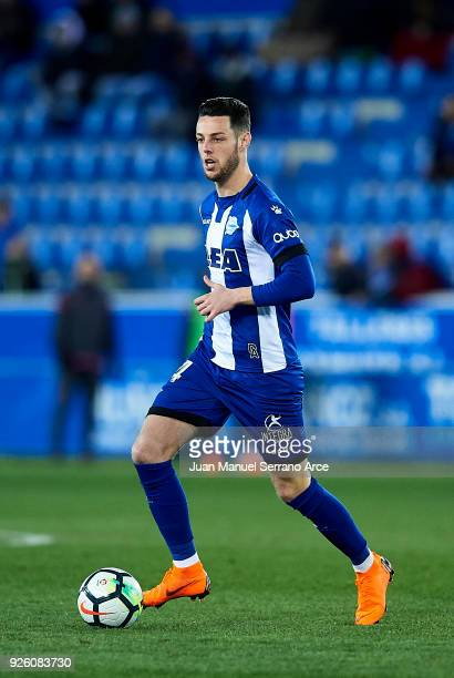 Jorge Franco 'Burgui' of Deportivo Alaves controls the ball during the La Liga match between Deportivo Alaves and Levante UD at Mendizorroza stadium...