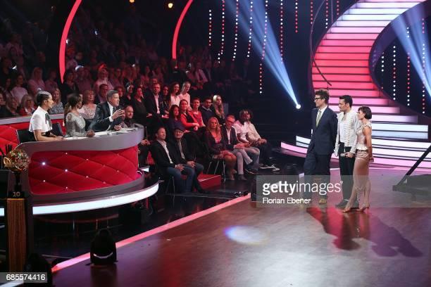 Jorge Gonzalez Motsi Mabuse Joachim Llambi Daniel Hartwich Giovanni Zarrella and Christina Luft perform on stage during the 9th show of the tenth...