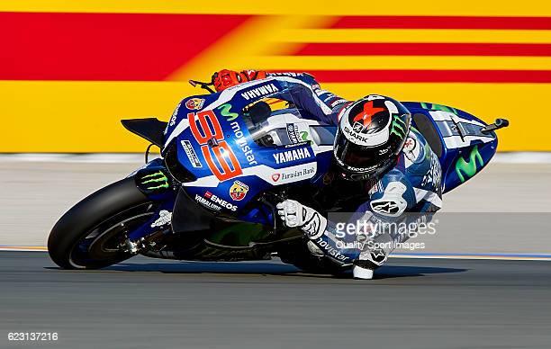 Jorge Lorenzo of Spain and Movistar Yamaha MotoGP rounds the bend during the MotoGP of Valencia Race at Comunitat Valenciana Ricardo Tormo Circuit on...