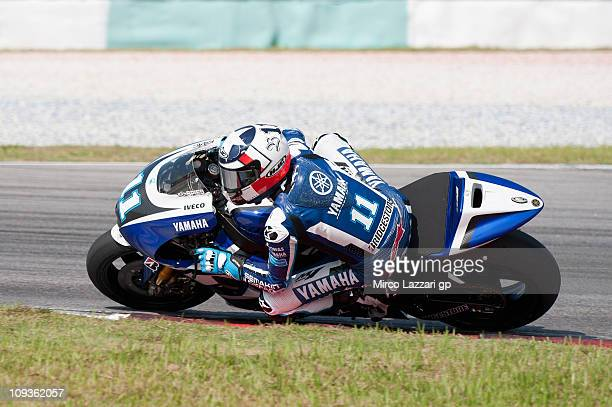 Jorge Lorenzo of Spain and Yamaha Factory Team rounds the bend during the second day of testing at Sepang Circuit on February 23, 2011 in Kuala...