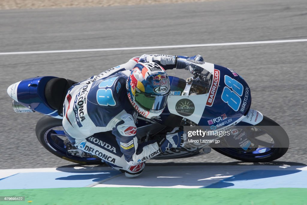 Jorge Martin of Spain and Del Conca Gresini Moto3 rounds the bend during the MotoGp of Spain - Qualifying at Circuito de Jerez on May 6, 2017 in Jerez de la Frontera, Spain.