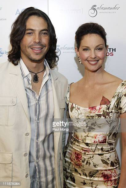Jorge Moreno and Ashley Judd during Faces of Latin America 2006 YouthAIDS Gala at Ritz Carlton Tysons in McLean Virginia United States