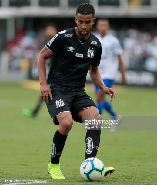 Jorge of Santos controls the ball during a match between Santos and CSA for the Brasileirao Series A 2019 at Vila Belmiro Stadium on September 29,...