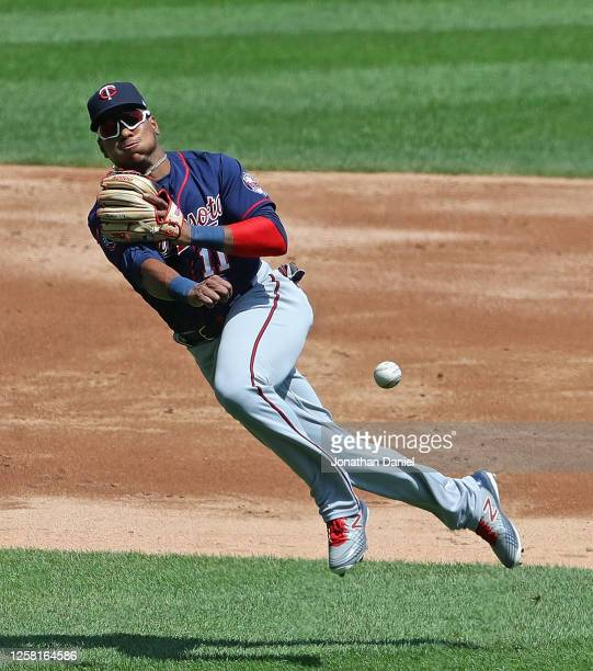 Jorge Polanco of the Minnesota Twins throws out Luis Robert of the Chicago White Sox in the 2nd inning at Guaranteed Rate Field on July 25 2020 in...