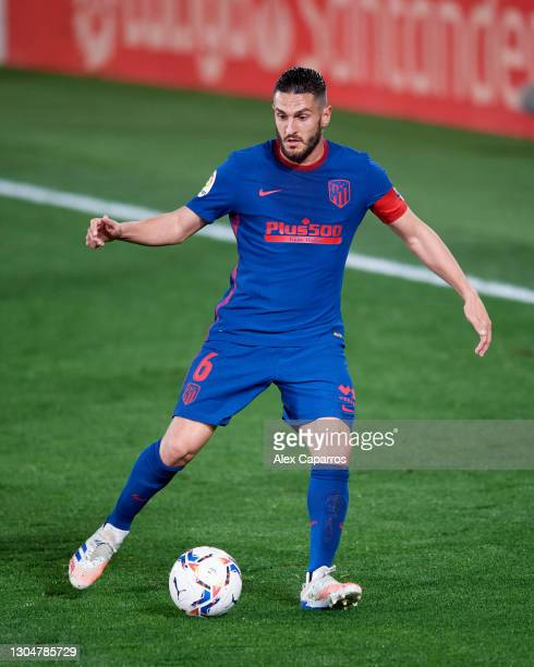 Jorge Resurreccion 'Koke' of Atletico de Madrid runs with the ball during the La Liga Santander match between Villarreal CF and Atletico de Madrid at...
