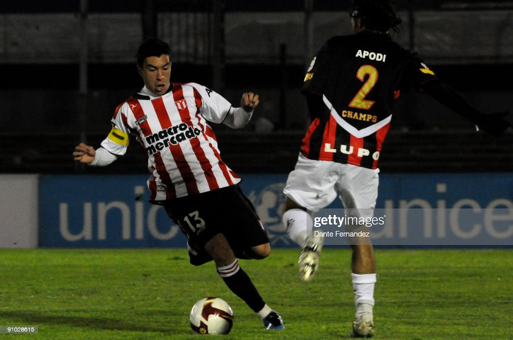 River Plate v Vitoria - Copa Nissan Sudamericana 2009