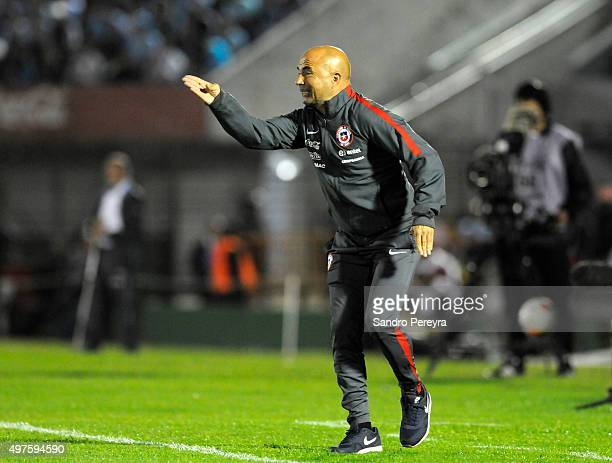 Jorge Sampaoli coach of Chile gives instructions to his players during a match between Uruguay and Chile as part of FIFA 2018 World Cup Qualifiers at...