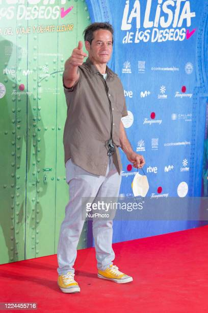 Jorge Sanz poses for the photographers during the premiere of the film 'La lista de deseos' directed by Spanish film maker Alvaro Diaz Lorenzo at...
